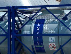 Купить автоцистерну для перевозки нефти или арендовать танк-контейнер