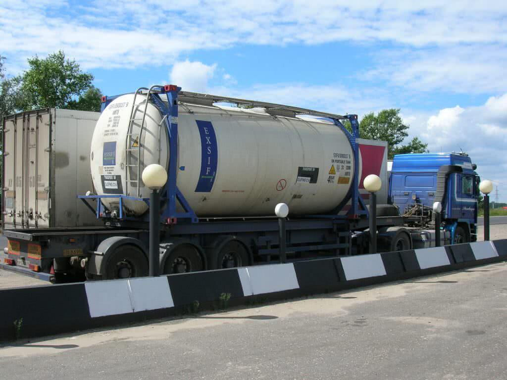 грузоперевозки с помощью танк-контейнеров