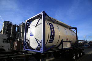 Авто перевозки танк-контейнеров